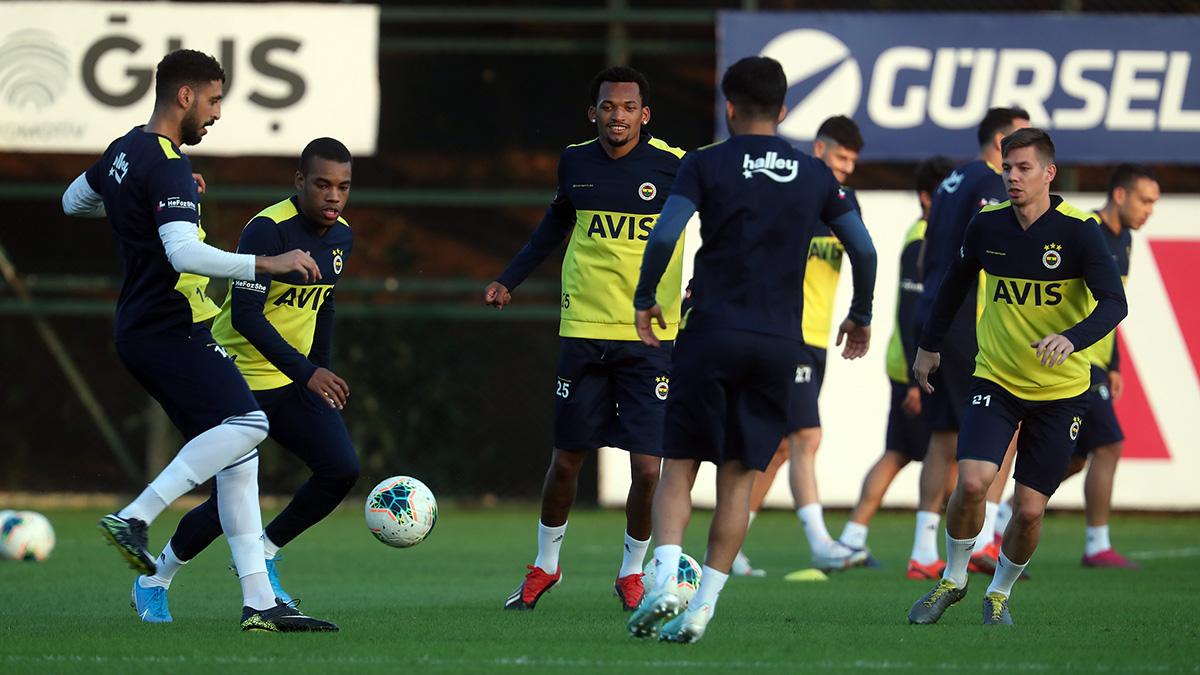 Futbol A Takımımız günü çift antrenmanla tamamladı