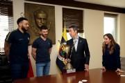 Voleybolcularımız şampiyonluk kupasıyla Başkanımız Ali Koç'u ziyaret ettiler