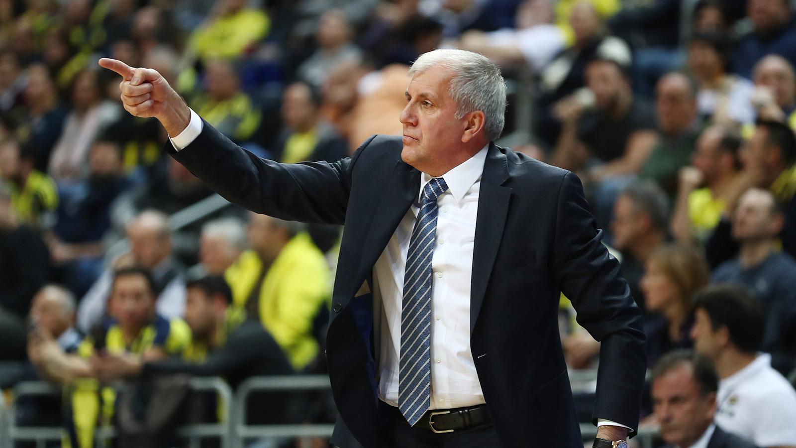 Zeljko Obradovic ve Jan Vesely'nin maç önü görüşleri