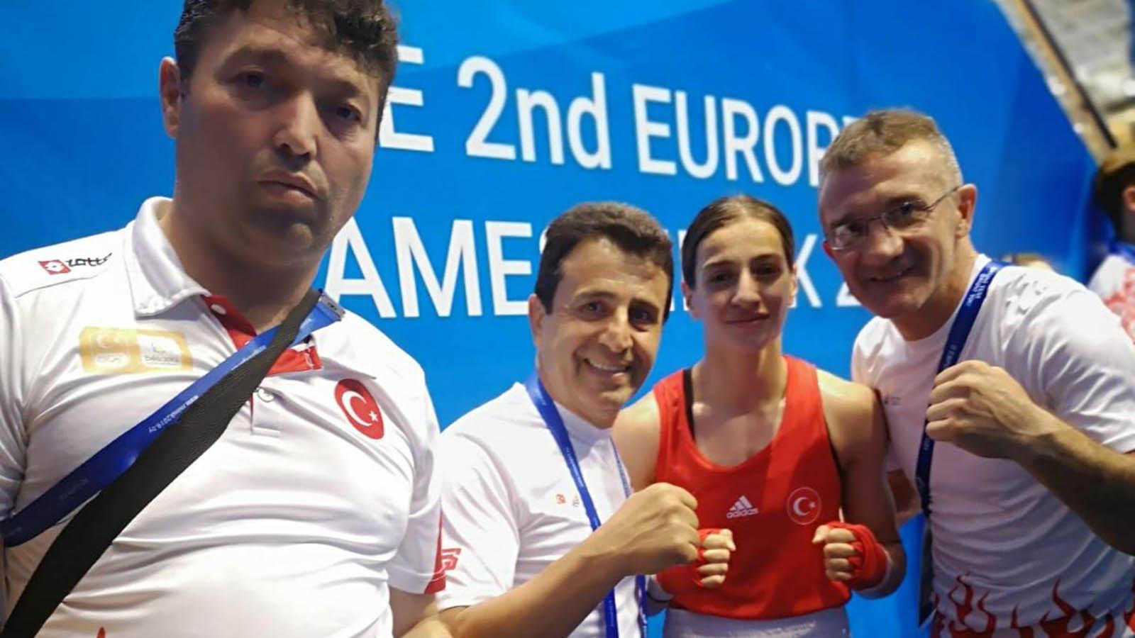 Fenerbahçeli milli boksör Buse Naz Çakıroğlu Avrupa Oyunları'nda yarı finale yükseldi