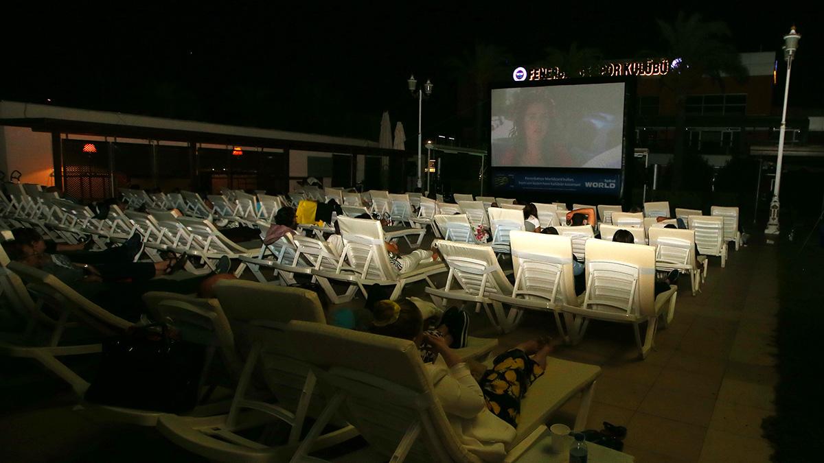 Faruk Ilgaz Tesisleri'mizde her Çarşamba gecesi açık havada sinema keyfi yaşanıyor