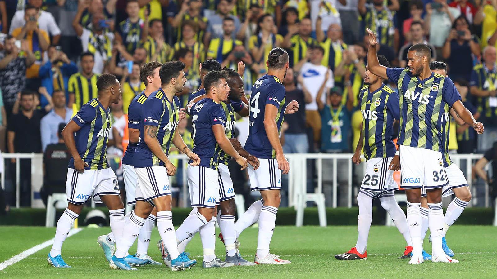 Fenerbahçemiz Alanyaspor'a konuk oluyor