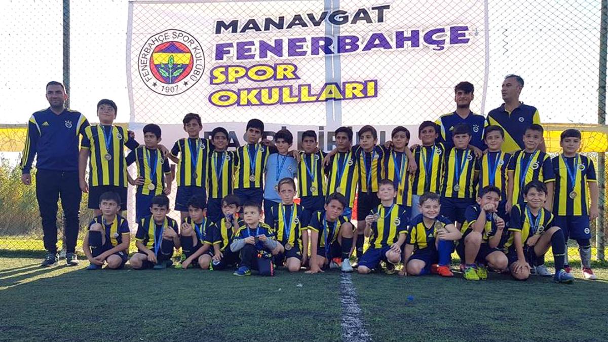 Fenerbahçe Spor Okulları Antalya Basri Dirimlili Futbol Turnuvası yapıldı