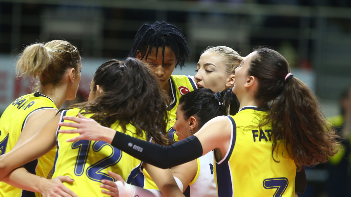 Fenerbahçe Opet yarı final için mücadele edecek