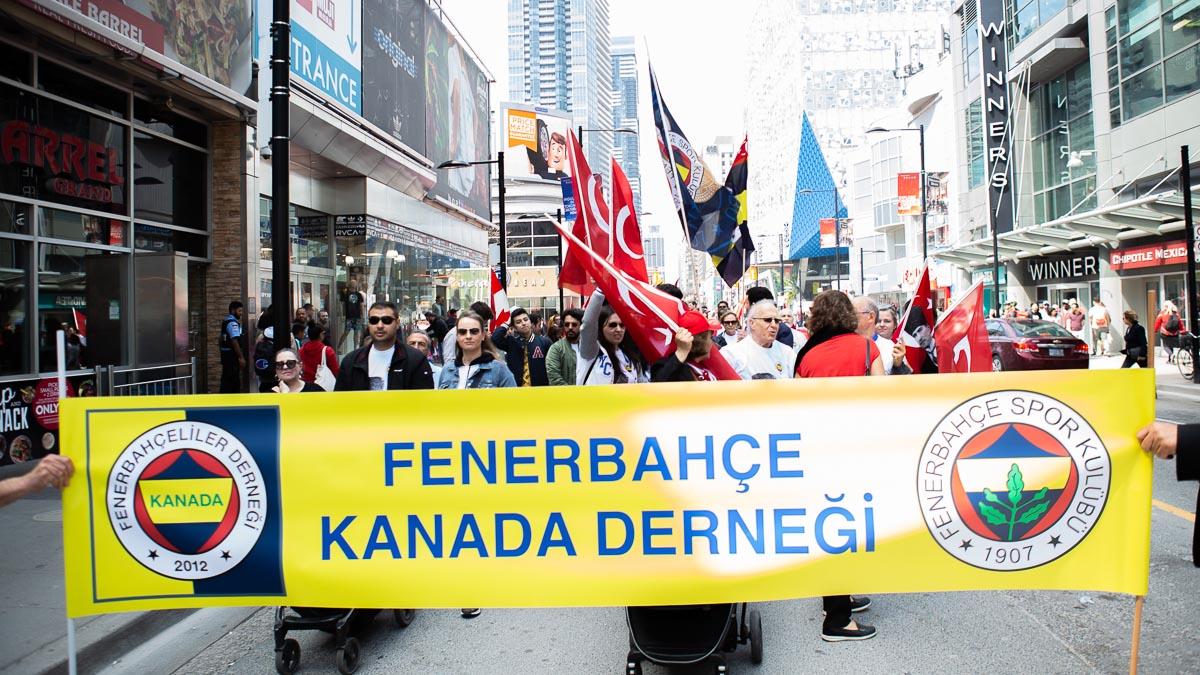 Kanada Derneğimiz Toronto'da 19 Mayıs Yürüyüşü düzenledi