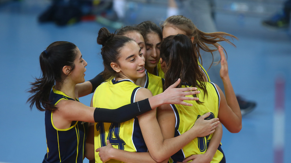 Fenerbahçe 3-0 Eczacıbaşı (Küçük Kız Voleybol)