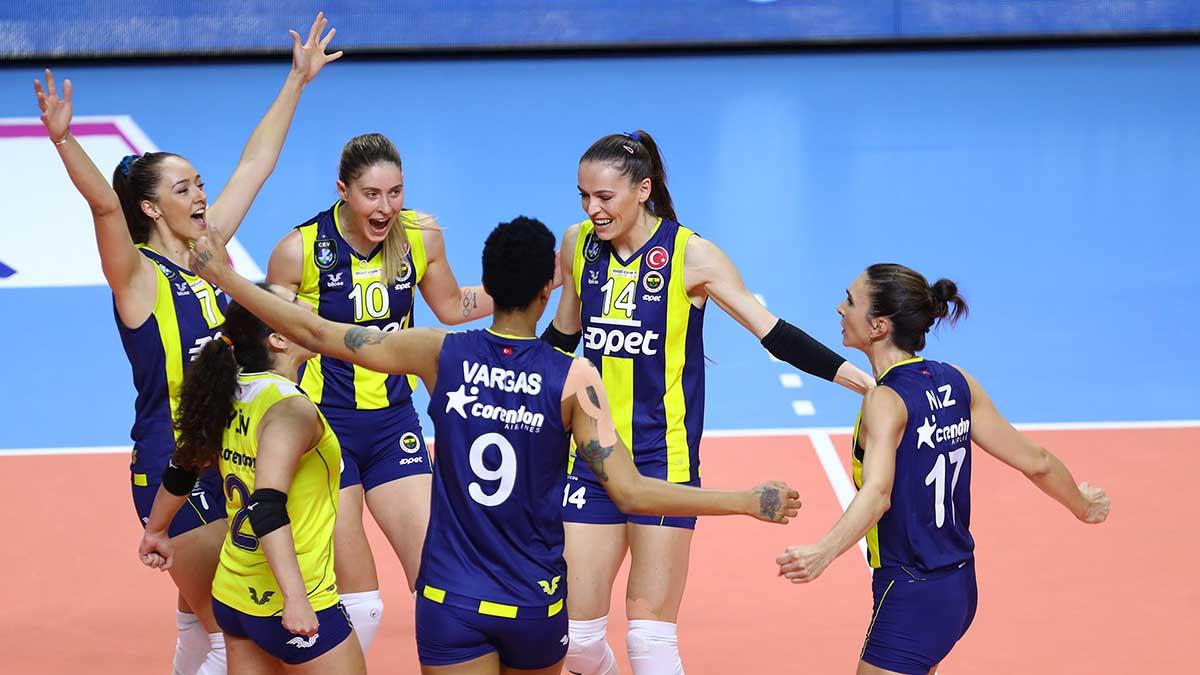 Fenerbahçe Opet, Vakıfbank'a konuk oluyor