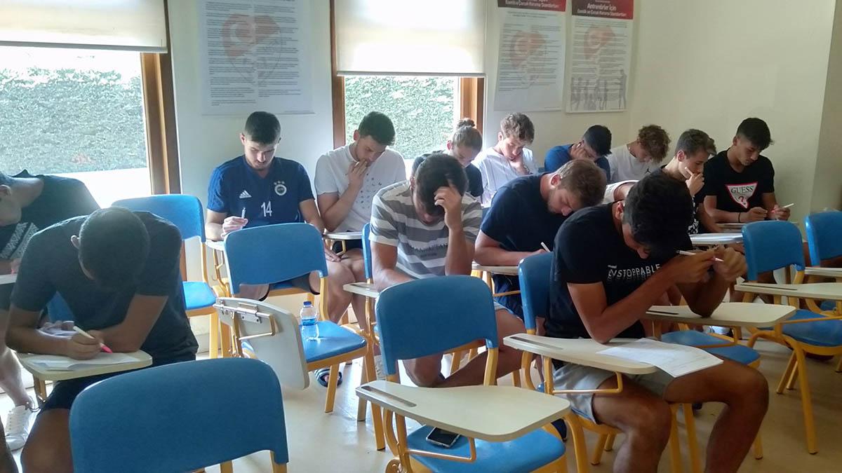 Futbol altyapıda İngilizce sınavı