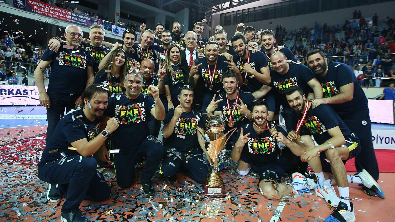 Efeler Ligi Şampiyonu Fenerbahçe!