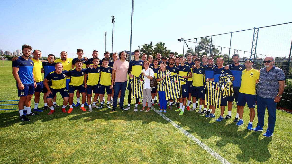 Bartu Ailesi U19 Takımımızı ziyaret etti