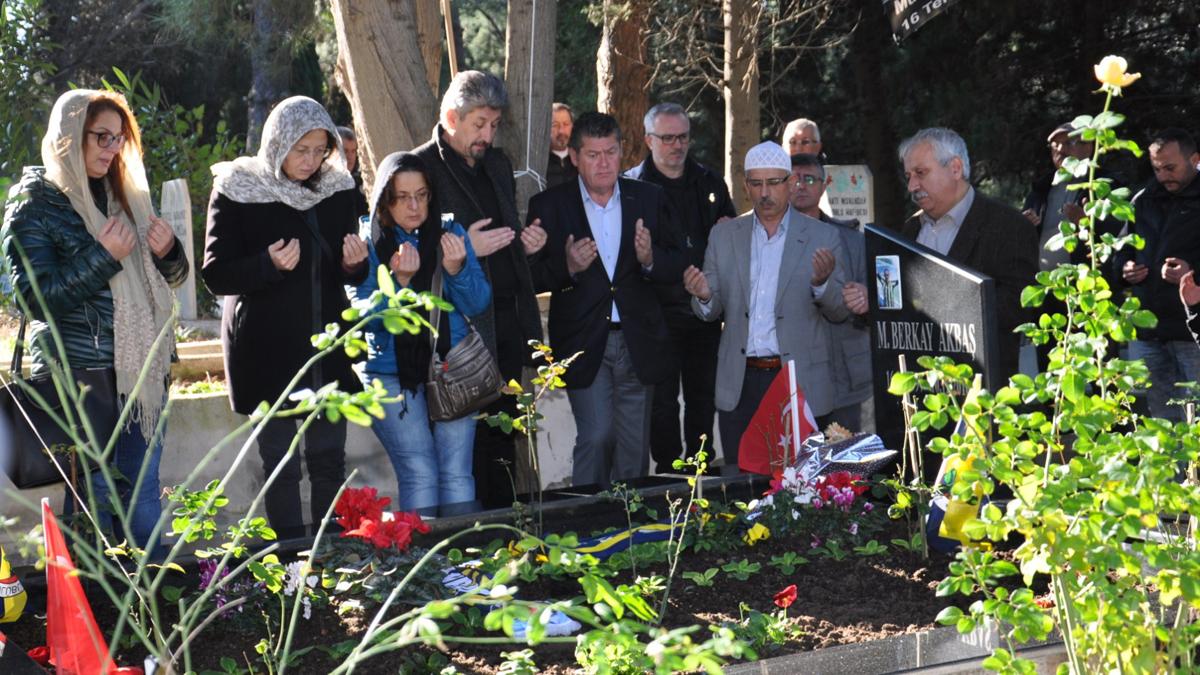 Sinop Derneğimiz, Berkay Akbaş'ı mezarı başında andı