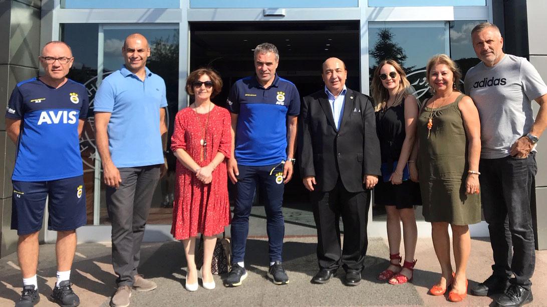 Fenerbahçe Üniversitesi'nden Teknik Direktörümüz Ersun Yanal ve teknik heyetimize ziyaret