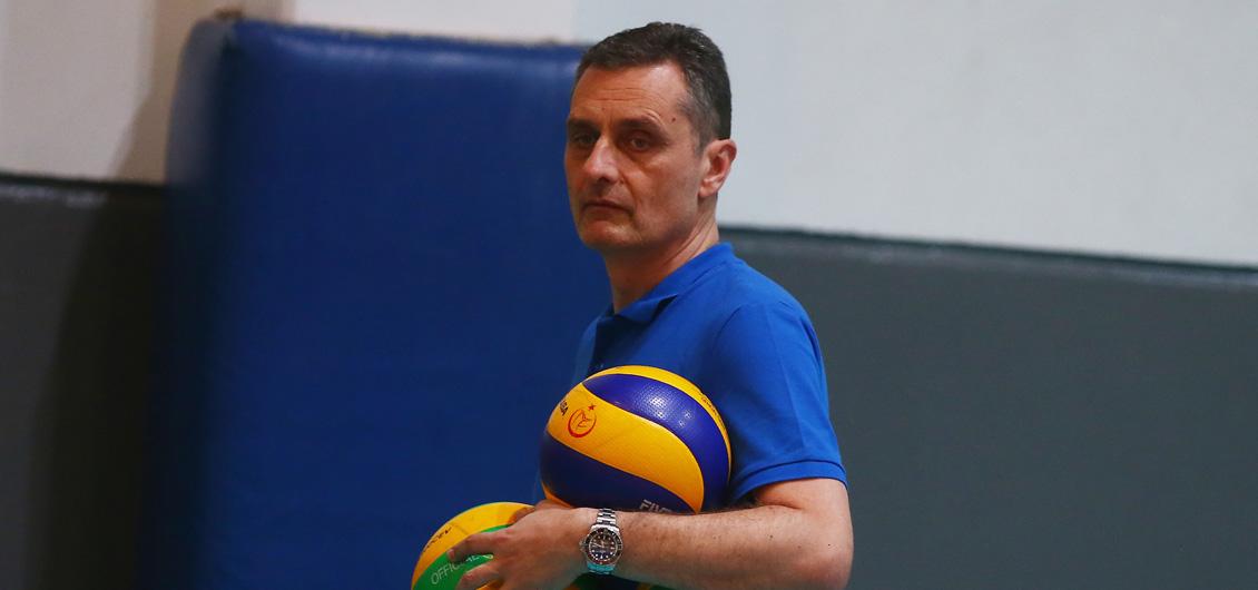 Başantrenörümüz Zoran Terzic takımla ilk antrenmanına çıktı