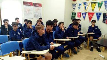 14 Yaş Altı Futbol Takımımıza sosyal medya eğitimi verildi