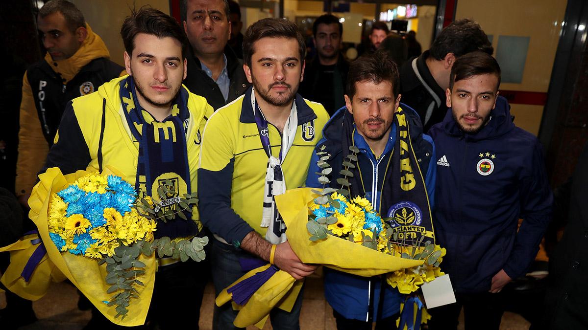 Futbol A Takımımıza Gaziantep'te coşkulu karşılama