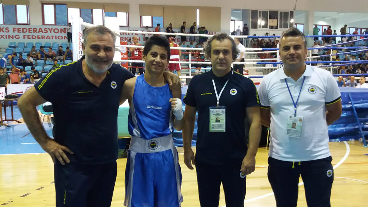 15 Temmuz Üst Minikler Türkiye Şampiyonası'nda 4 boksörümüz çeyrek finalde