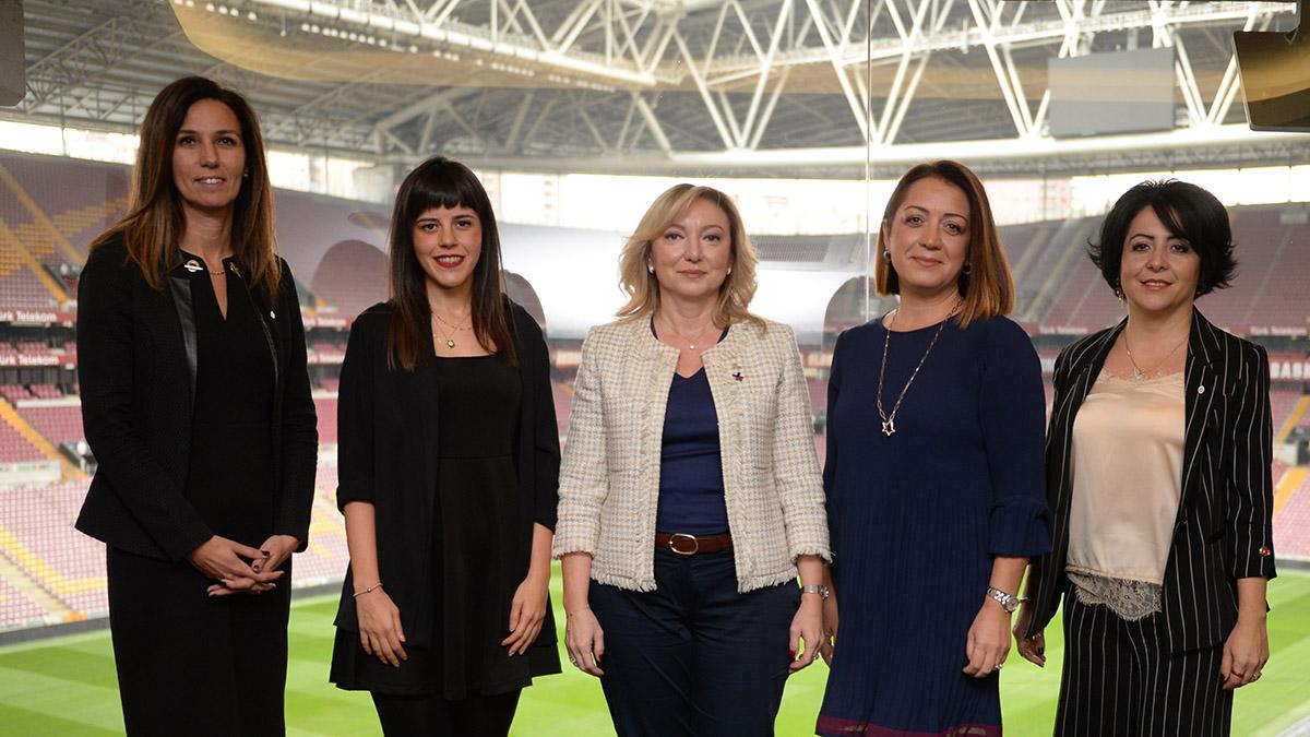 Süper Lig Kulüplerinin Kadın Yönetim Kurulu Üyeleri yemekte bir araya geldi