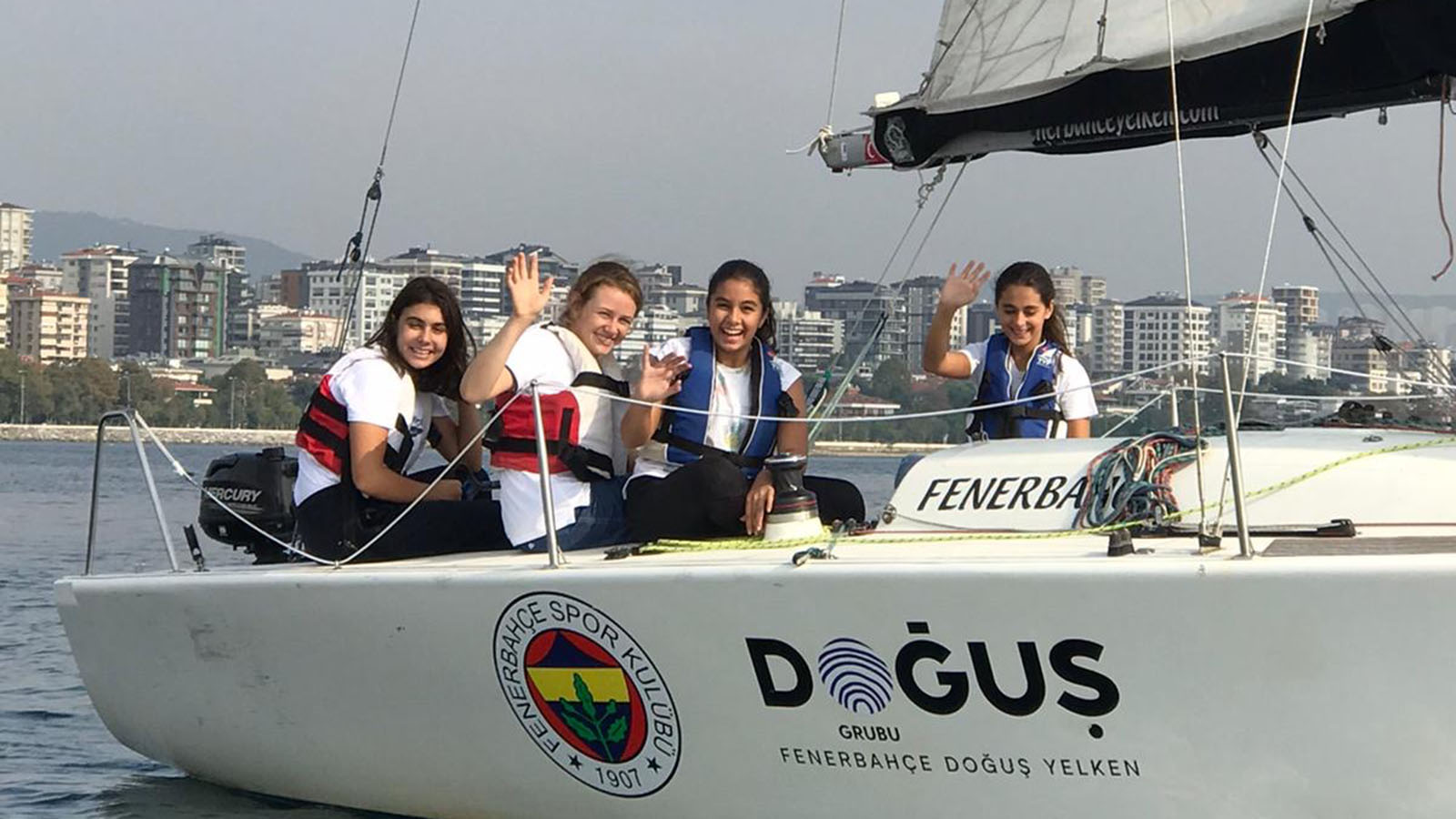 Fenerbahçe Doğuş Yelken, Irmak Okulu Öğrencilerine Yelken Eğitimi Veriyor
