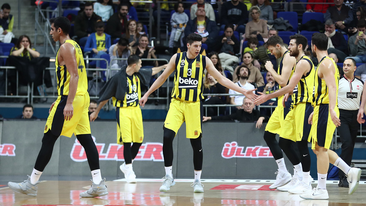 Adatıp Sakarya BŞB. Basketbol 62-138 Fenerbahçe Beko