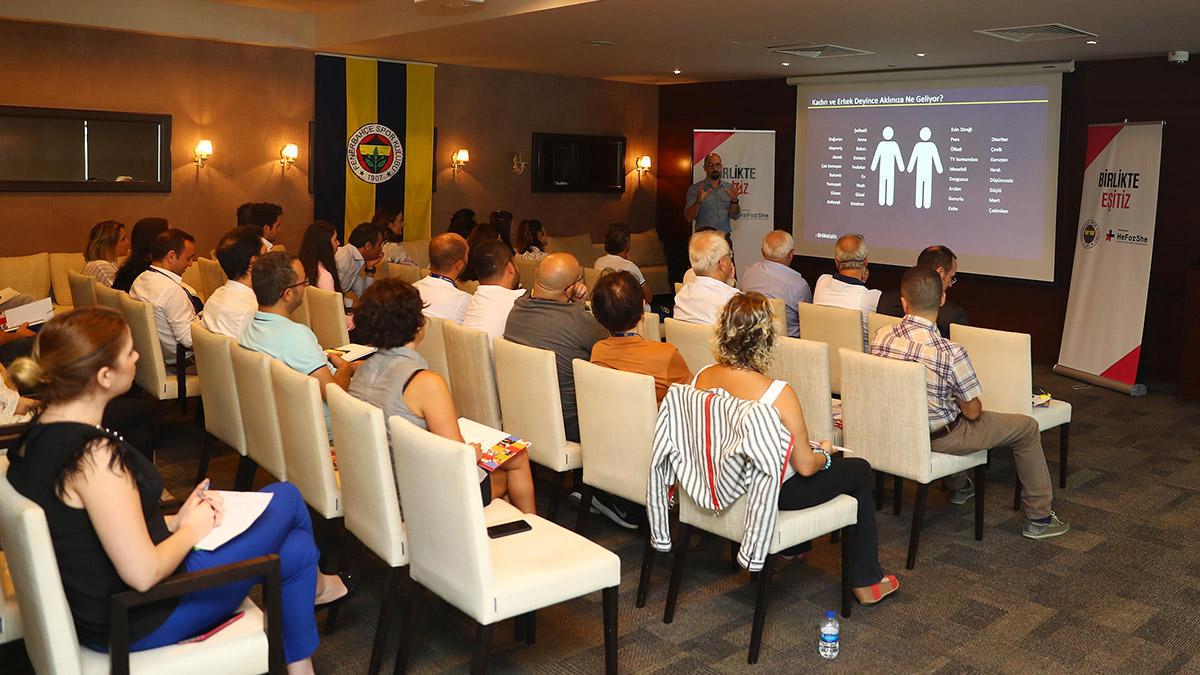 Kulüp çalışanlarımıza toplumsal cinsiyet eşitliği seminerleri verildi
