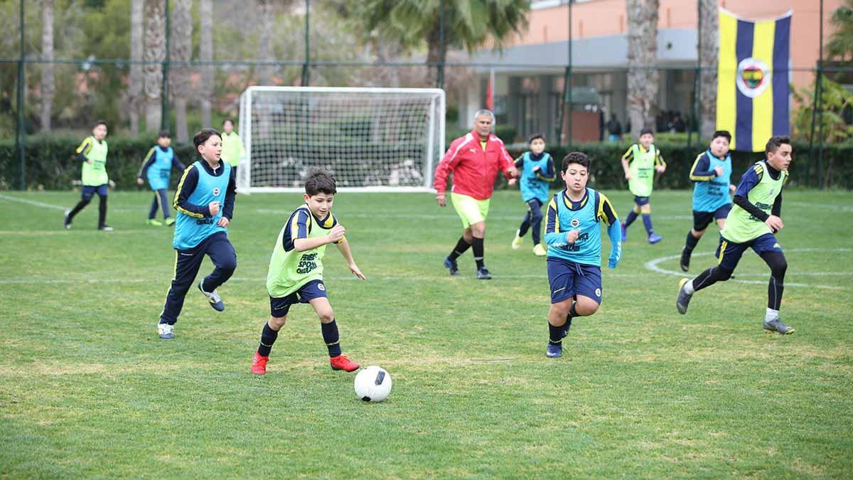 Fenerbahçe Spor Okulları Sömestre Kampı'nda 2.gün tamamlandı