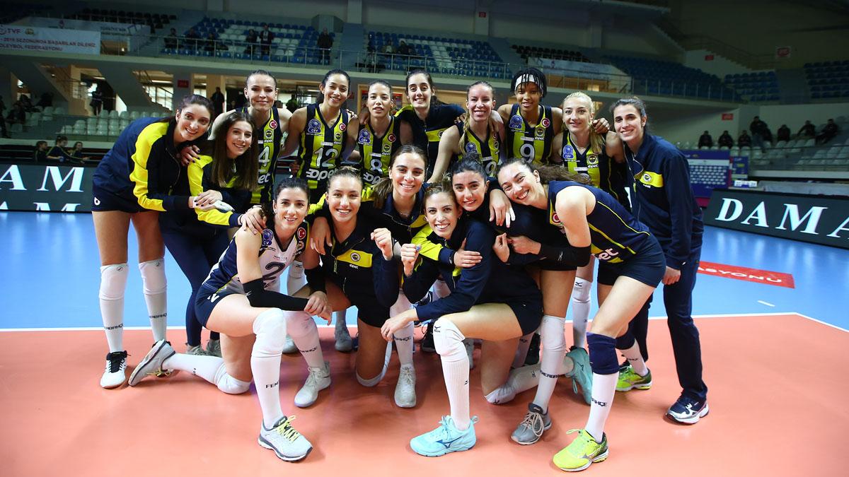 Fenerbahçe Opet, Vestel Venus Sultanlar Ligi'nde yarı finale yükseldi