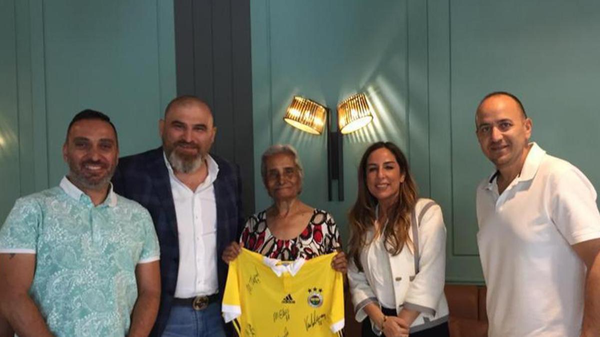 Kulübümüz Dr. Ayten Salih Berkalp'i Bayram'da unutmadı