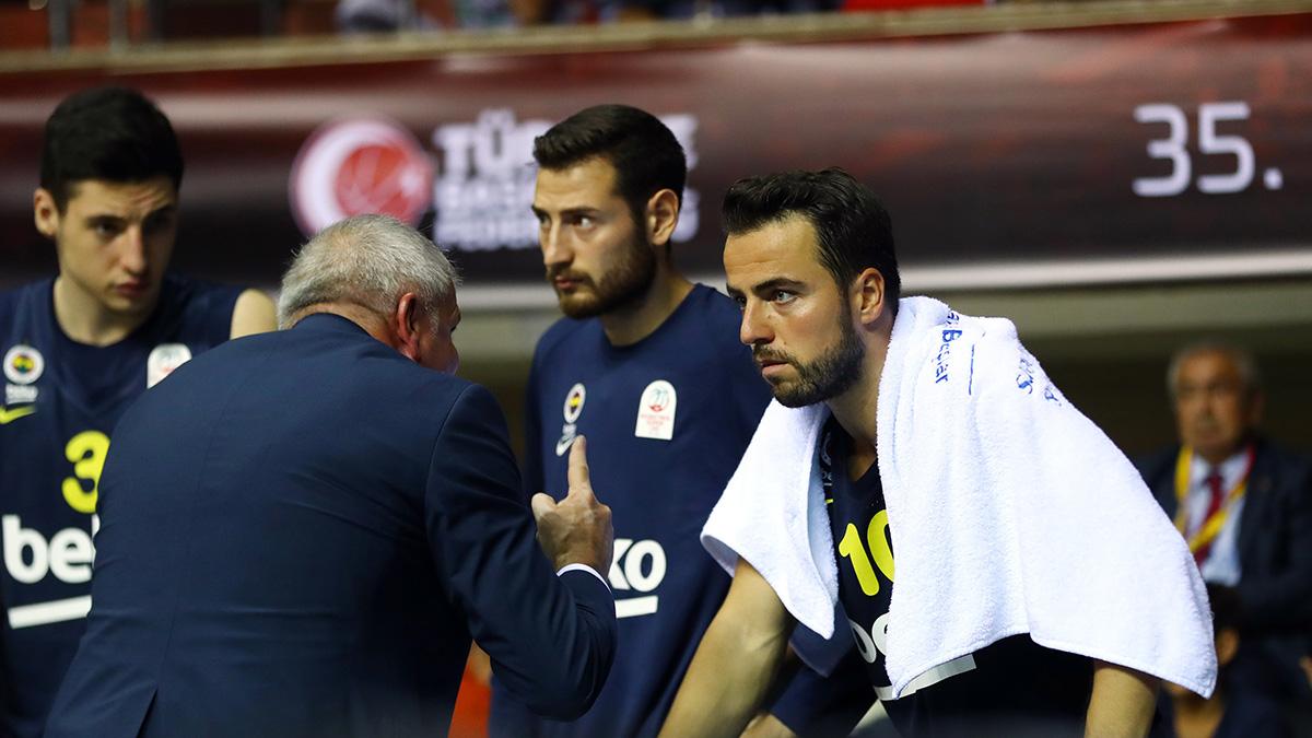 Zeljko Obradovic ile Melih Mahmutoğlu'nun maç önü görüşleri