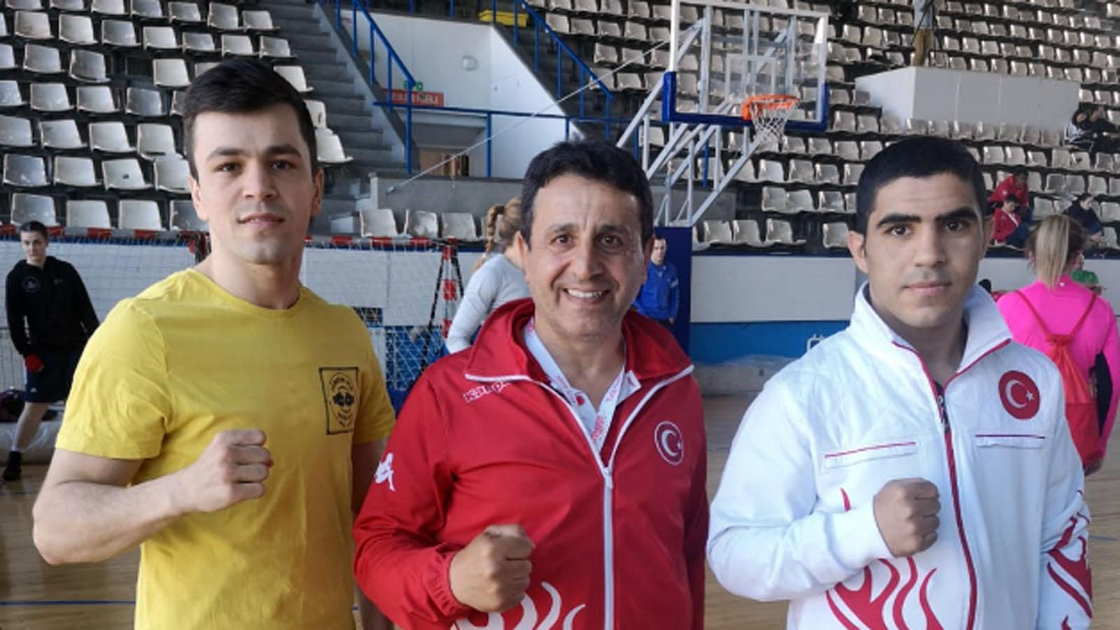 Boksörlerimiz Sırbistan'da ringe çıktı