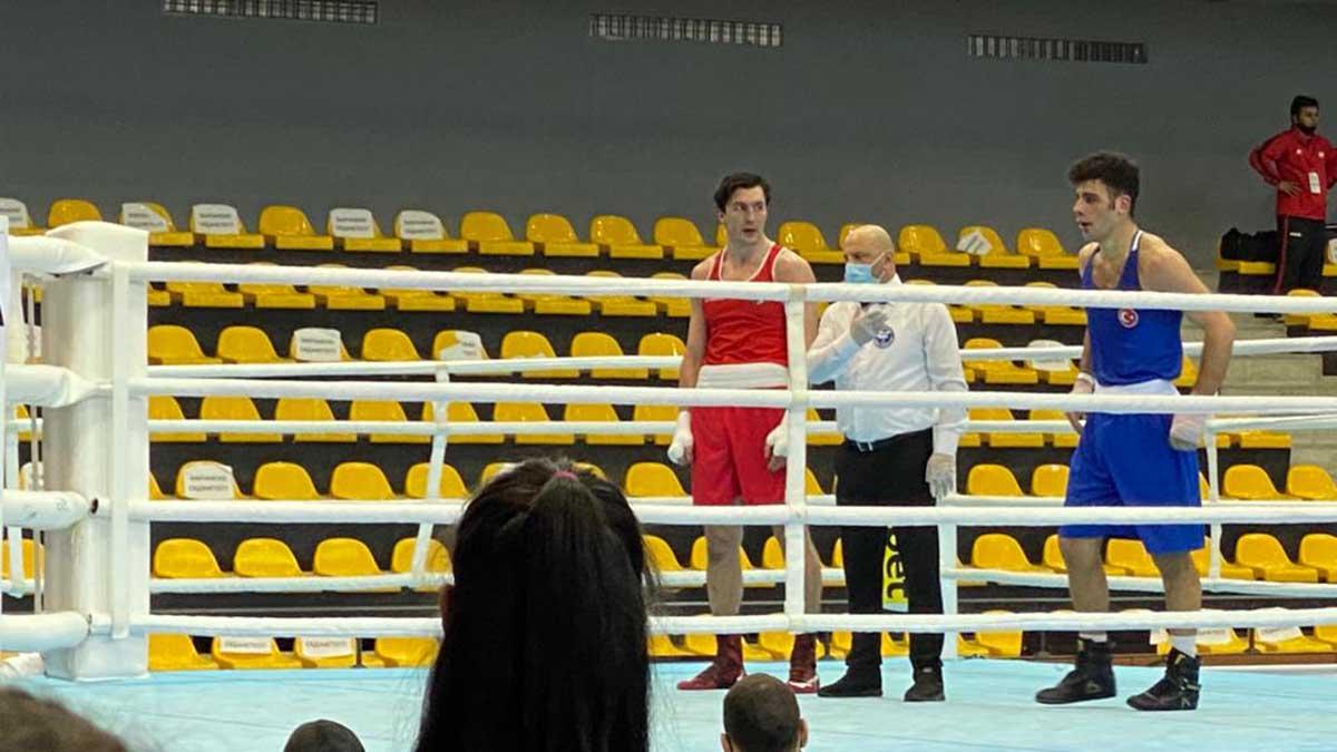 Strandja Boks Turnuvası'nda mücadele eden 2 boksörümüz üst tura yükseldi