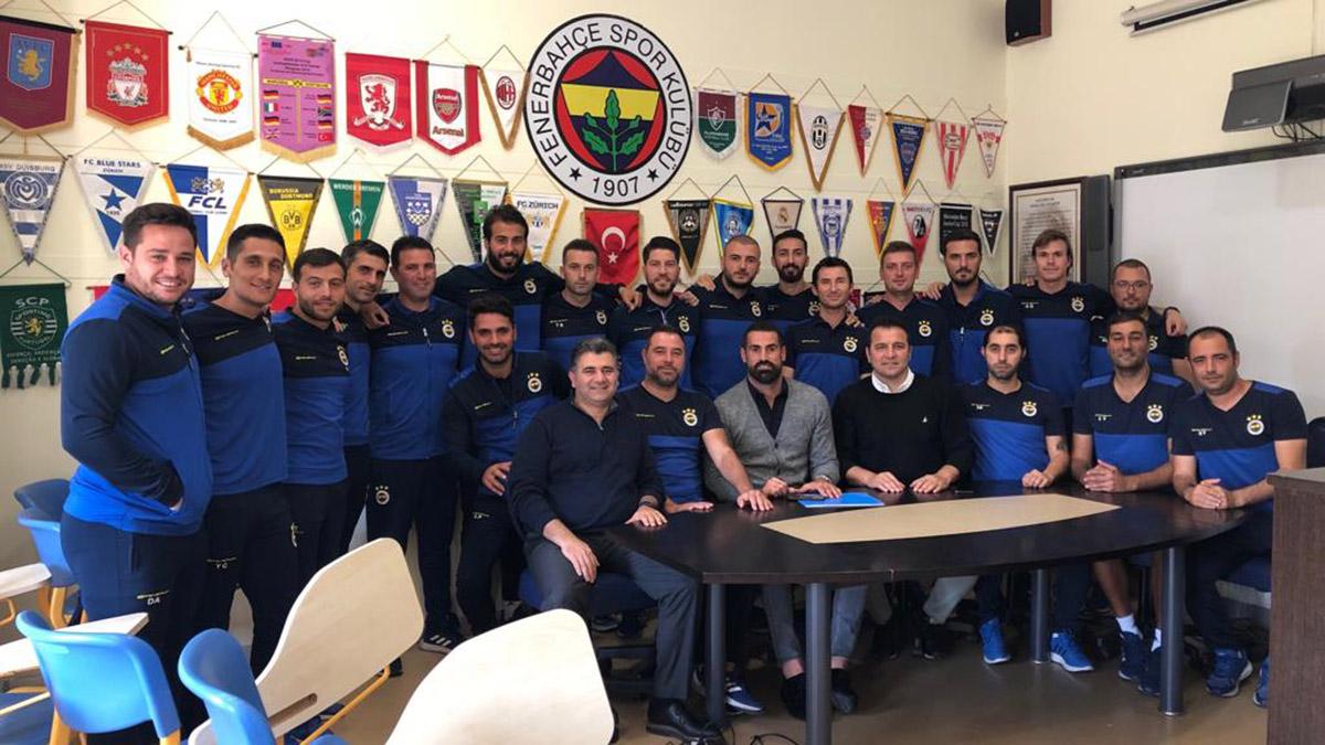 Yardımcı Antrenörümüz Volkan Demirel, Futbol Akademimizi ziyaret etti