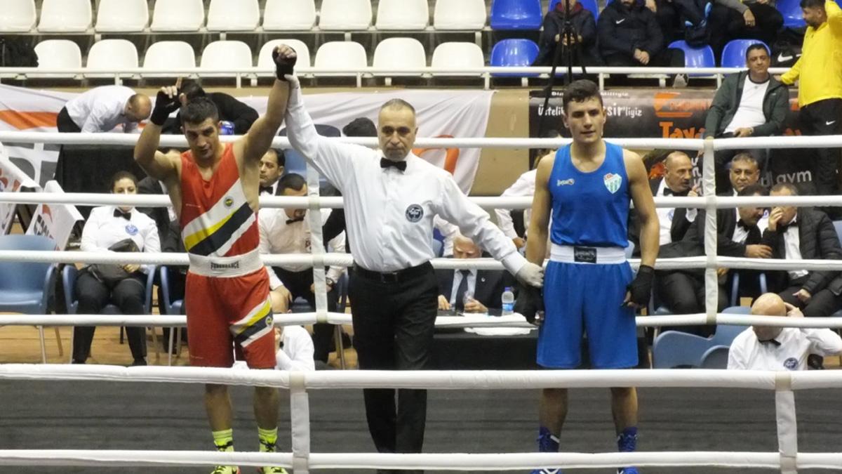 Büyük Erkekler Ferdi Türkiye Boks Şampiyonası Balıkesir'de yapılıyor