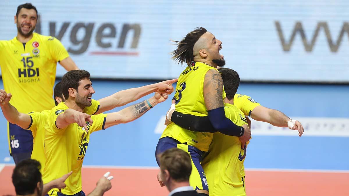 Fenerbahçe HDI Sigorta, AXA Sigorta Efeler Ligi'nde Play-Off final serisinde durumu 1-1'e getirdi