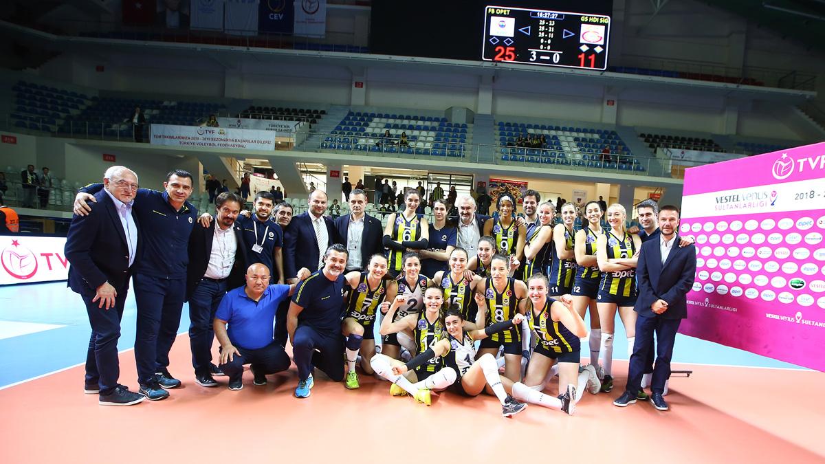 Fenerbahçe Opet önümüzdeki sene CEV Şampiyonlar Ligi'nde mücadele edecek