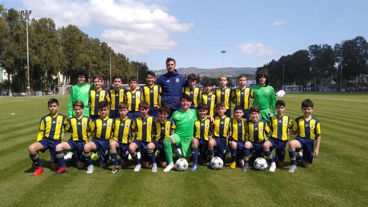 U12 Takımımız Parlayan Yıldızlar Futbol Turnuvası'nda şampiyon oldu