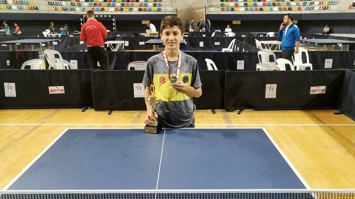 Hakan Işık, ferdi kategoride şampiyon oldu