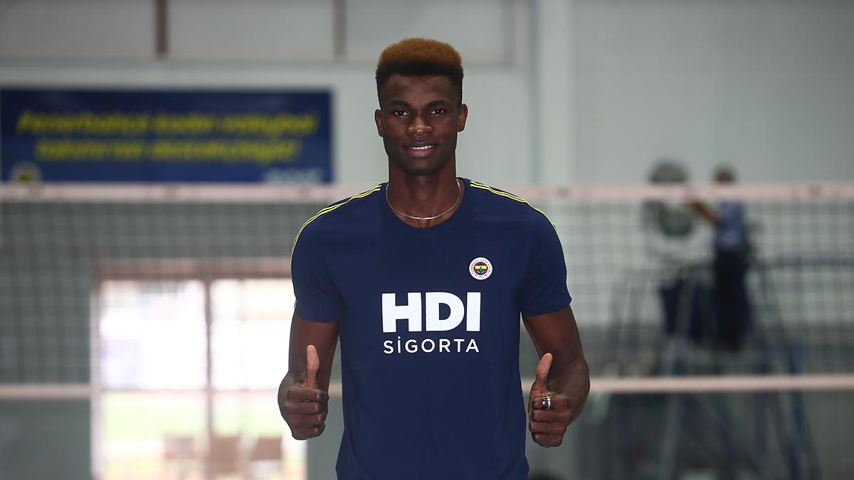 Arinze Kelvin Nwachukwu Fenerbahçe HDI Sigorta'da