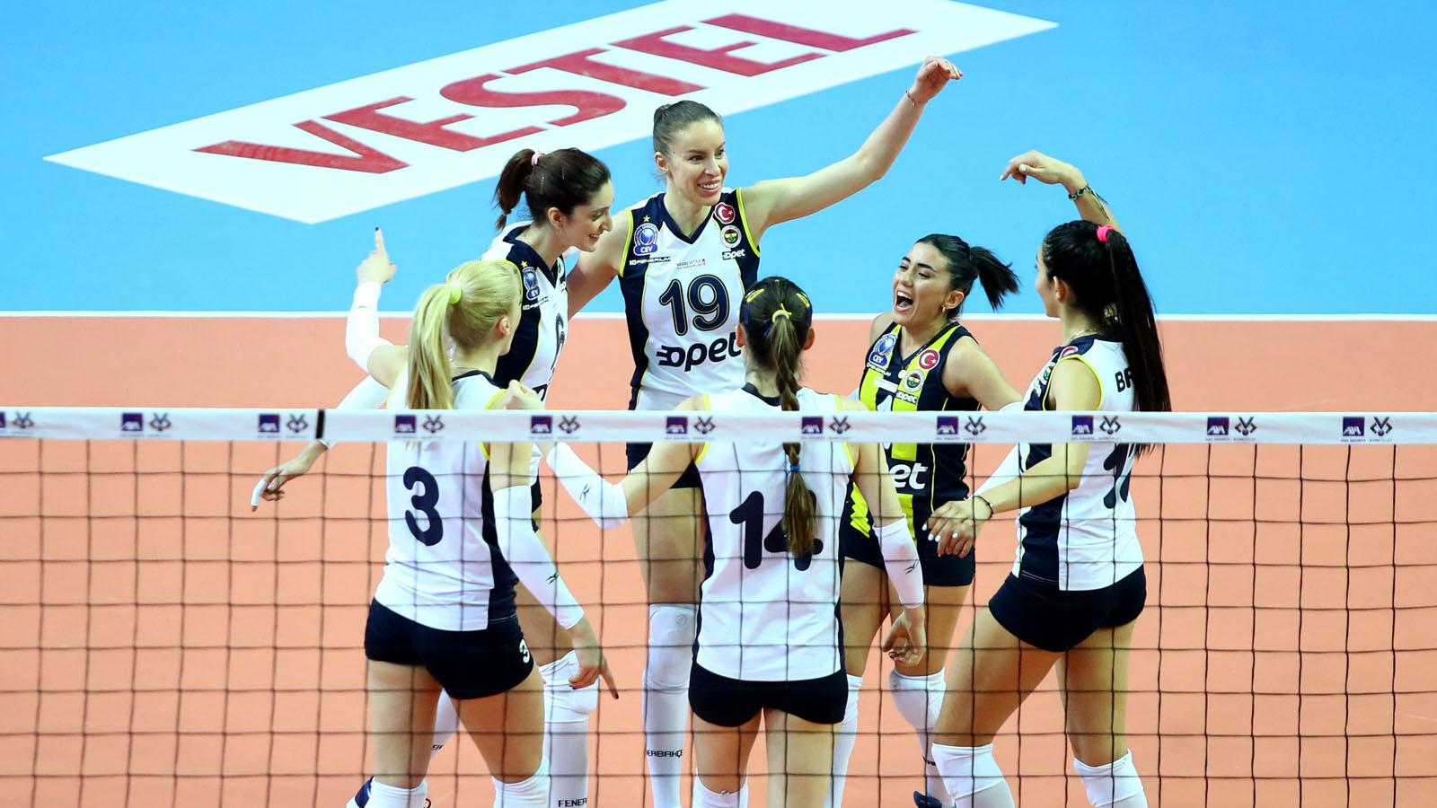 Fenerbahçe Opet kupada finale yükseldi