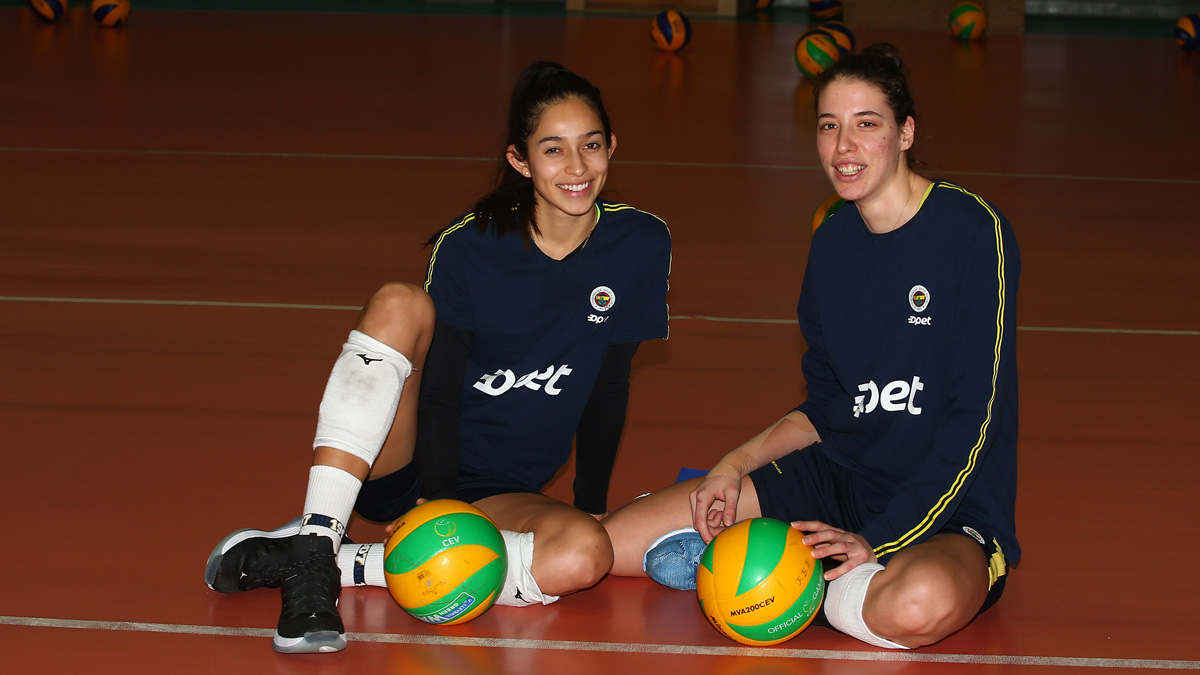 Dicle Nur Babat ve Samantha Bricio'dan CSM Bucuresti maçı öncesi açıklamalar