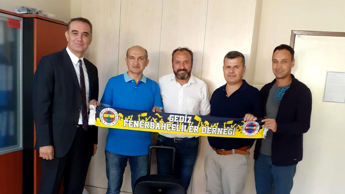 Gediz Fenerbahçeliler Derneği'nden eğitime destek
