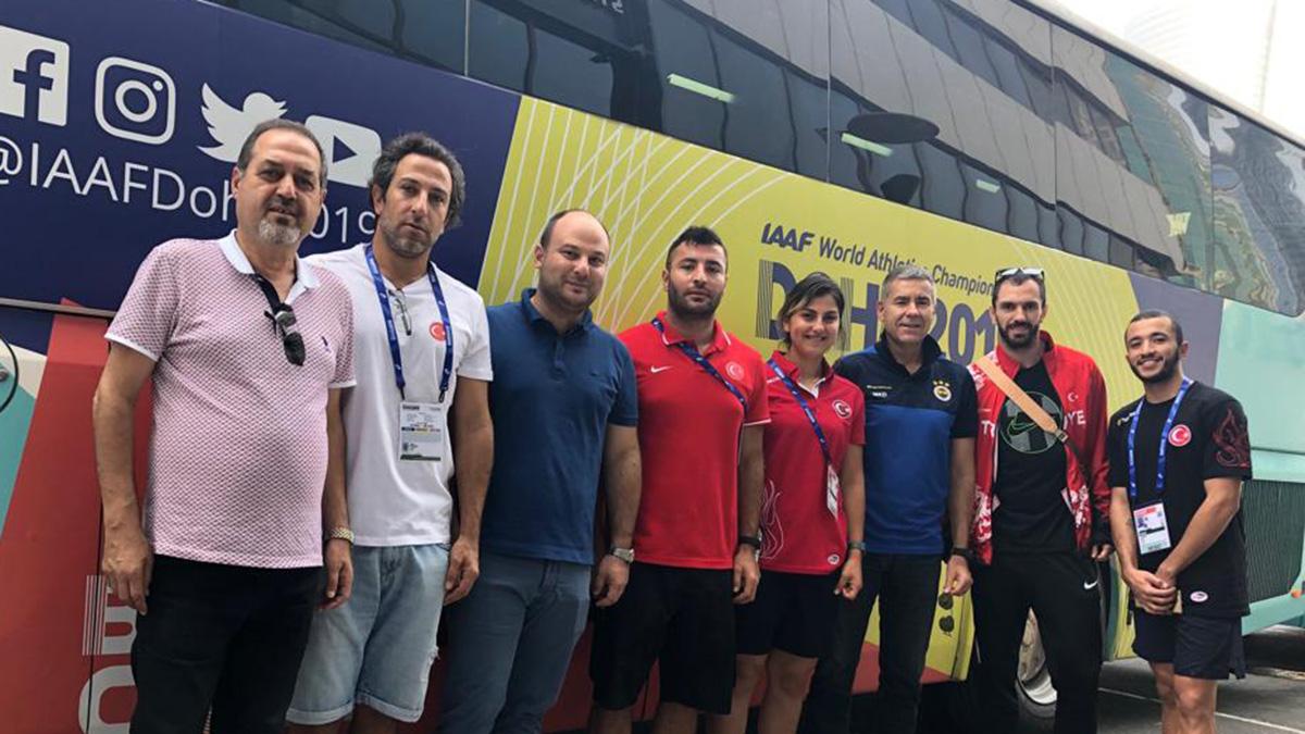 Yöneticilerimizden 17. Dünya Şampiyonası'nda mücadele eden atletlerimize moral ziyareti