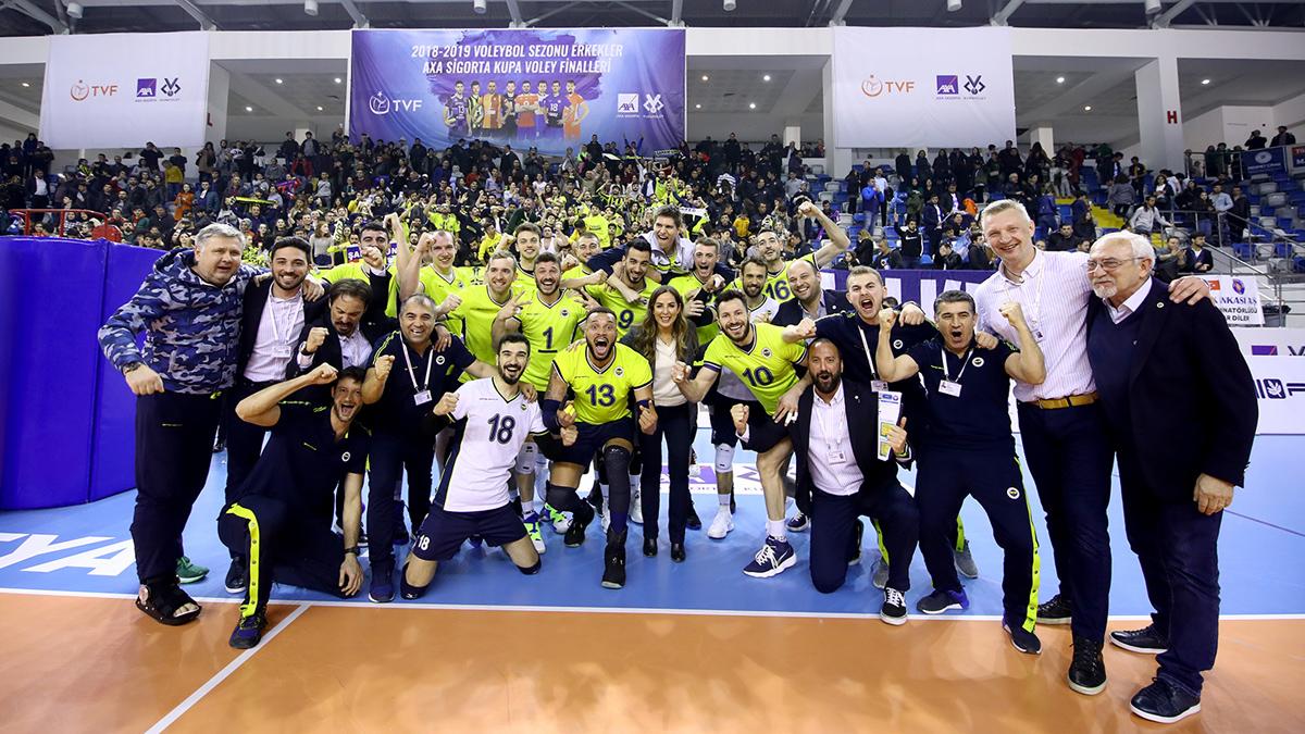 Fenerbahçe Erkek Voleybol Takımımız AXA Sigorta Kupa Voley'de finale yükseldi