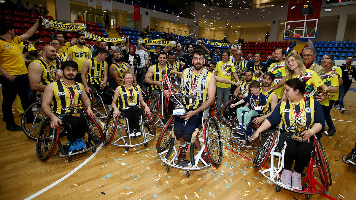 1907 Fenerbahçe Engelli Yıldızlar şampiyon oldu