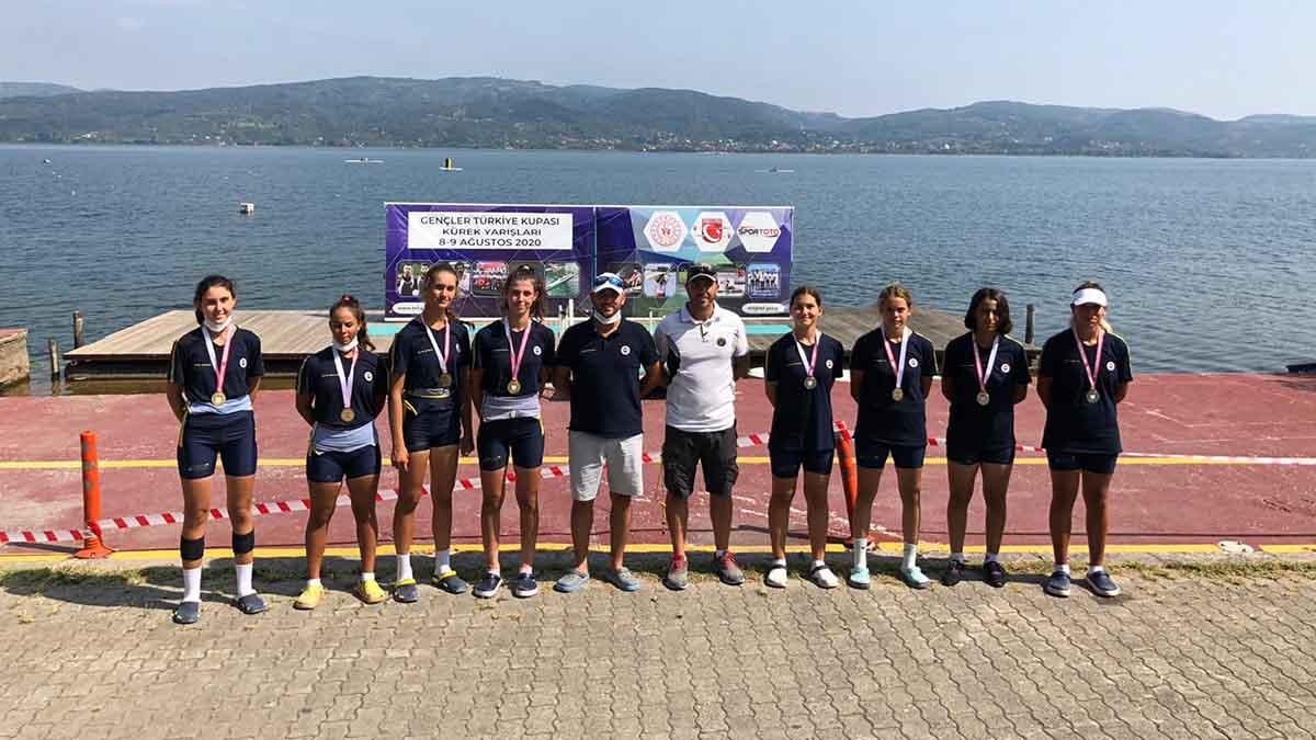 Gençler Türkiye Kupası Kürek Yarışları'nda ilk gün geride kaldı