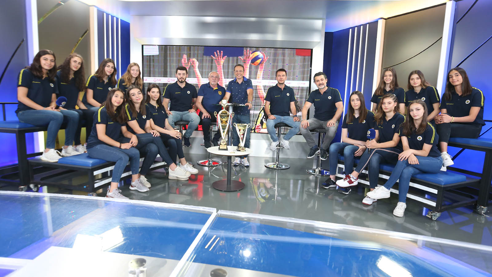 Yıldız Kız Voleybol Takımımız şampiyonluğun hikayesini anlattı