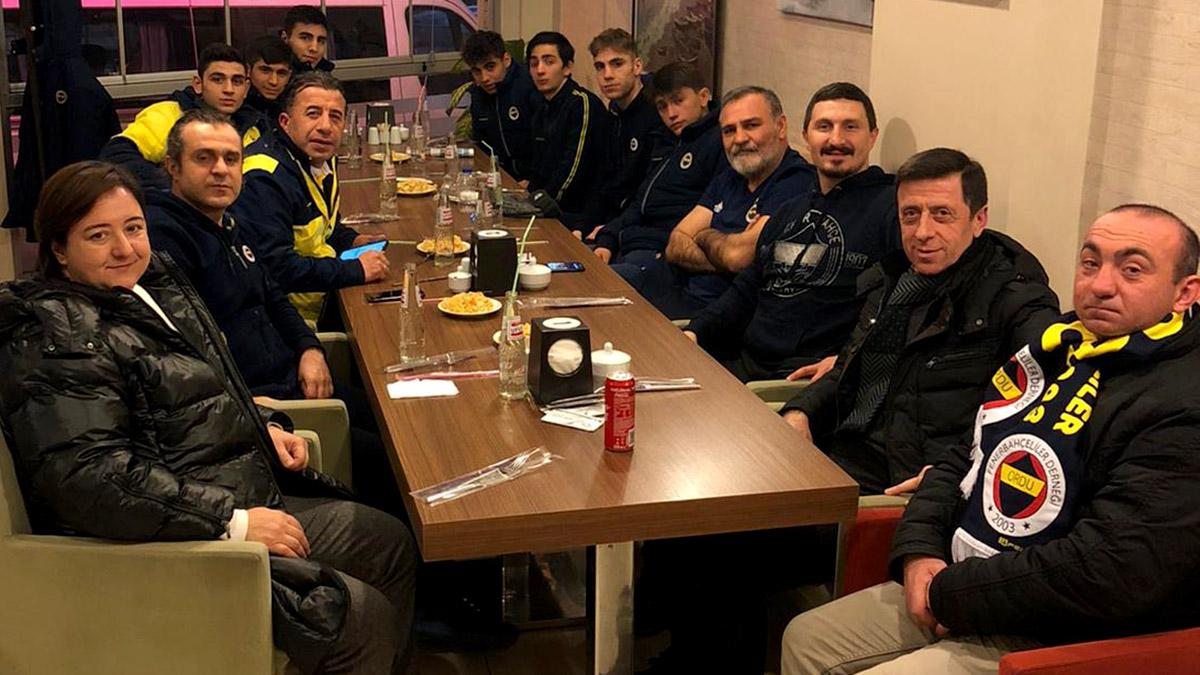 Ordu Fenerbahçeliler Derneği, şampiyonada mücadele eden boksörlerimizi ağırladı