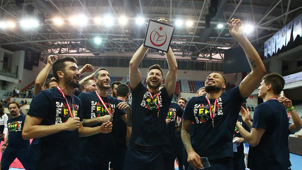 Voleybolcularımız şampiyonluğu değerlendirdi