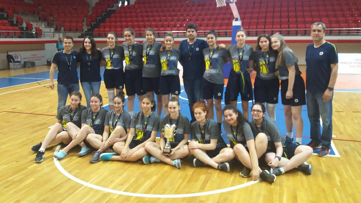 Fenerbahçe U16 Yıldız Kız Basketbol Takımımız, Türkiye 3.'sü oldu