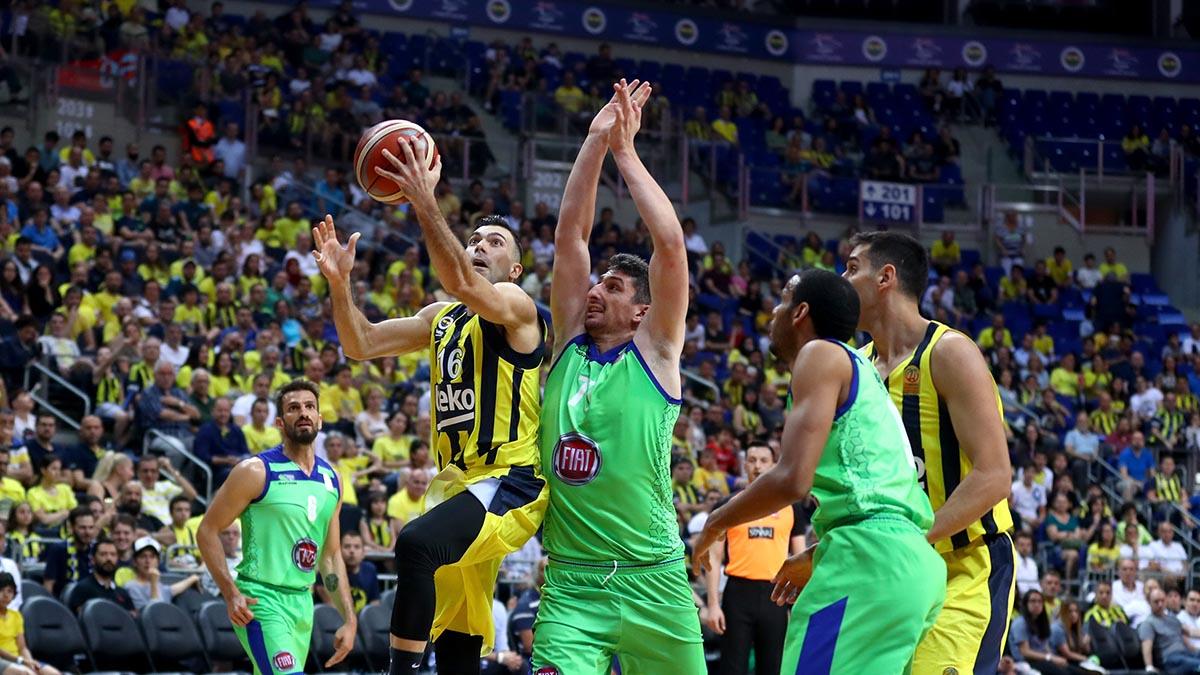 Fenerbahçe Beko yarı final serisinde durumu 2-0 yaptı