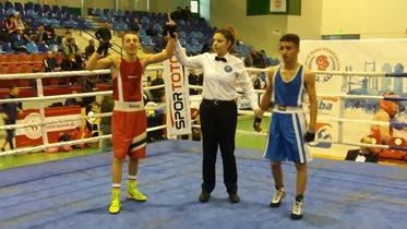 4 boksörümüz yarı finalde